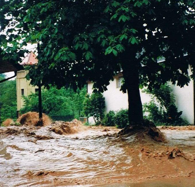 Hochwasser 1994-Marktplatz Feldrennach